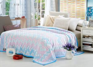 China Comfortable Polyester Solid Flannel Blanket 3D Printed Super Soft For Bed 220*240 on sale