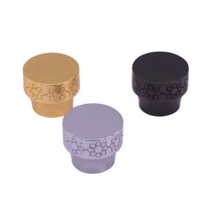 China 34mm High End Carved Pattern Zamac Perfume Cap For Empty Perfume Bottles on sale
