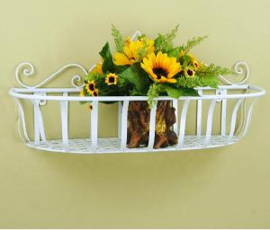 China wrought iron flower rack planter wall hanging on sale