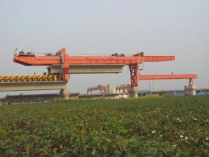 China Box Girder Bridge Construction Equipment , Launching Truss Bridge Construction Crane on sale