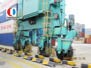 China High Load 42PR Industrial Tyre , RTG / OTR 800Kpa Port Forklift Tyre on sale