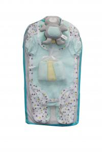 China Summer Baby Clothes Gift Set 9 Piece Baby Gift Set With Green Triangle Pattern on sale