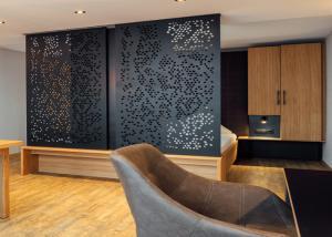 China House Ornamental Sheet Metal Panels , Fashionable Metal Privacy Screens on sale