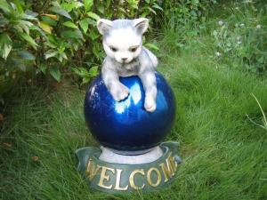 China Cat   shape brilliant  Gazing Ball Stands  Holders Combo with  Quality Cast Stone   on sale