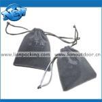 bolsa gris del terciopelo con el drawstrinhg