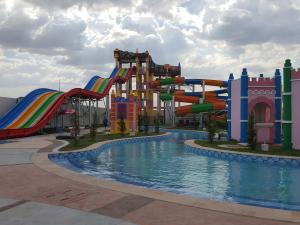 Cambodia Water Park Project With 16000m2 Fiberglass Water Slide