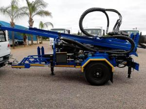 China 200M  Trailer mounted  Water Well Drilling Rig with 89mm drilling pipes on sale