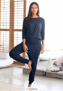 China Girls Black Yoga Set Dance Yoga Pilates Sportswear Suit Fitness Clothing Solid Shirt Flare Pants With Elastic Band on sale