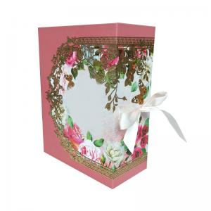 China C1S Paper Printed Packaging Boxes Magnetic Cardboard Gift Boxes on sale