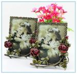 China Shinny Gifts Metal handmade flower photo frame new models for wedding gifts wholesale