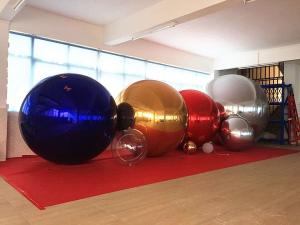 China Durable 0.3mm PVC Colorful Advertising Inflatable Mirror Balloons For Fashion Show on sale