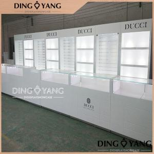 China Beauty Simplicity Glossy White Jewelry Showcase Lights Installed Locks Installed on sale