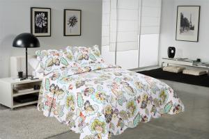 Quality Big Cockscomb Flower Quilted Bed Covers , Full Size Bed Quilt Sets With ISO9001 for sale