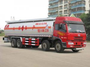 China 32.4 CBM Chemical liquid truck for delivery pentane (CLW5312GHYC3 ) on sale