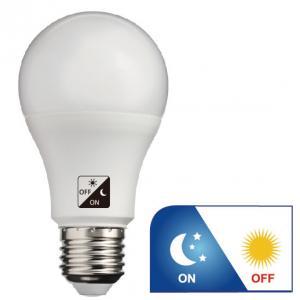 China WW 806lm Dawn To Dusk Outdoor Light Bulbs , A60 E27 LED Dusk To Dawn Bulb on sale