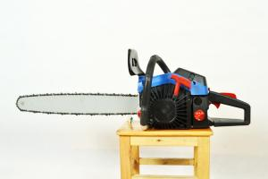 China Hedge Trimmer Gas Powered Chain Saw With Compact Structure 0.65kw/8000rpm on sale