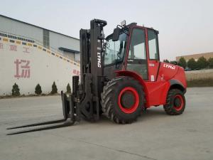 China 3 ton 5 ton 2WD 4WD Rough Terrain Forklift with new design and High exhaust on sale