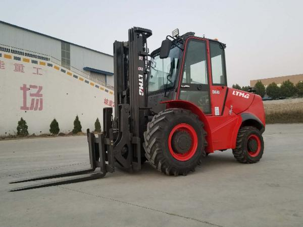 3 ton 5 ton 2WD 4WD Rough Terrain Forklift with new design and High