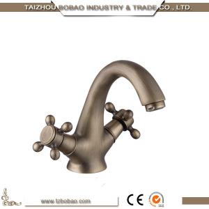 China 89201F 2018 Competitive Price Classic Design Antique Brass Dual Handle Faucet Basin Tap With Good Braided Hose on sale