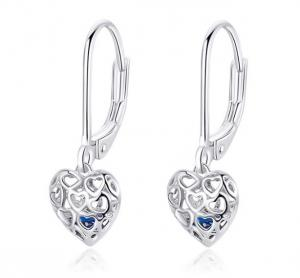 China Heart-Shaped S925 Sterling Silver Earrings Women Fashion Platinum-Plated  Silver Earrings on sale