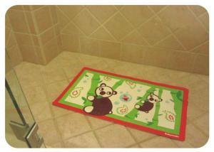 China Healthty Anti Fatigue PVC Anti Slip Bath Mat With Suction Cups , Baby Bathtub Mat on sale