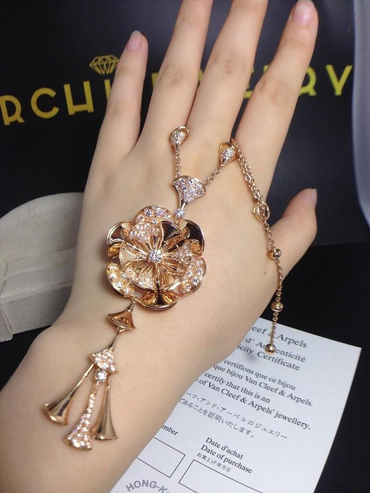 bvlgari 18k pink gold divas dream necklace with diamonds