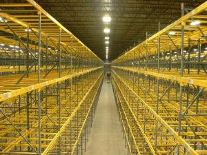 China Custom Selective Pallet Racking Systems / Fixed Steel Frame Storage Shelves on sale