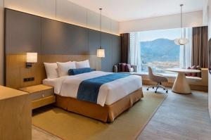 China King Bedroom Attractive Modern Wooden Furniture Oak Veneer Color on sale