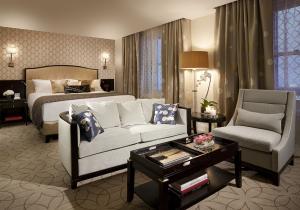 China Hotel Furniture BR3000-Hotel Bedroom set on sale