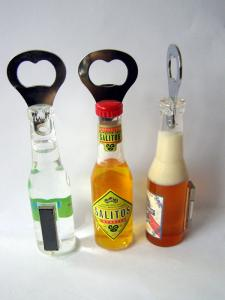 China Bottle Shape Fridge Magnet Beer Opener, Cheap Bulk Acrylic Bottle Opener, Safety Jar Opener, Wholsele Can Opener on sale