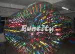 Rouleau gonflable brillant et rougeoyant énorme de l'eau pour des enfants et des adultes