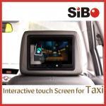 タッチ画面のタブレットのタクシーの広告プレーヤー