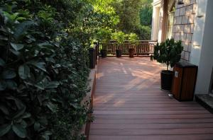 China WPC hollow core composite decking boards both for domestic market and foreign market on sale