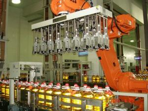 China Carton Automatic Bottle Packaging Machine With High Efficiency on sale