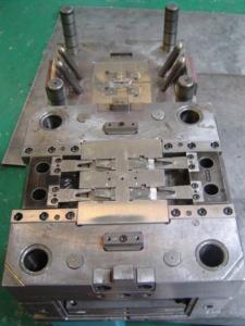 China Moldeado plástico de encargo del parte movible del moldeo a presión del molde de acero NAK80 para las piezas médicas del PE on sale