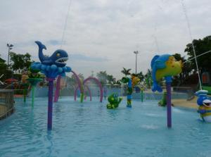 China Aqua Kids Water Playground Spray Aqua Park Equipment Splash Fish And Shark on sale
