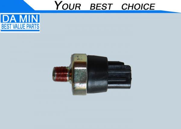 4JH1 Isuzu Oil Pressure Switch , Isuzu Nkr Parts 8971762300