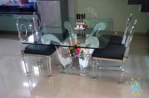 China clear acrylic room furniture on sale