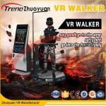 Entrenamiento de la rueda de ardilla de la realidad virtual del videojuego con la plataforma del movimiento