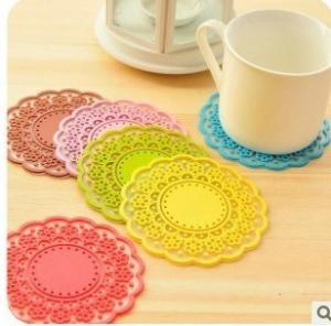 China Custom Silicone Kitchenware Silkscreen Printed Silicone Heat Resistant Mat Pat With Various Colors on sale
