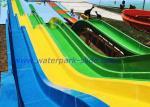 Toboganes acuáticos del arco iris de la fibra de vidrio del equipo del parque temático para el amarillo azulverde de los adultos
