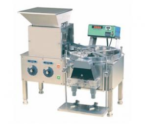 China Small Scale Desktop Type Tablet Counting And Filling Machine Rotary Counting Design on sale