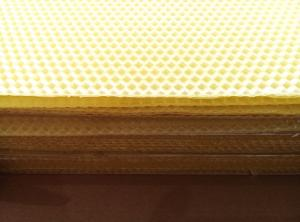 China Beeswax Comb Foundation Sheet / Beekeeping Equipment Without Additives on sale