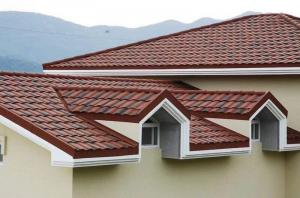 China Red and black shingle stone coated metal roofing tile on sale