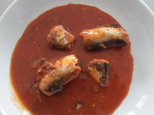 China Competitive Price Delicious Fresh Material Sardines Fish Canned in Tomato Sauce on sale