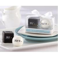 China 2013 Mr and Mrs ceramic salt and pepper shaker wedding favors on sale
