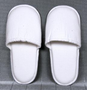 China Indoor promotional White non - woven, terry Ladies and Mens Spa, bar and Hotel Slipper on sale