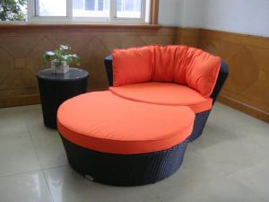 China 3pcs poly rattan pool furniture on sale