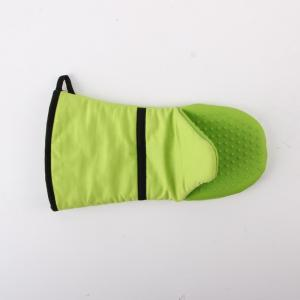 China Cooking Heatproof Green 14 x 33 cm silicone oven mitts / Glove AZO Free on sale