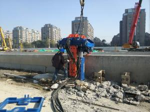 China Suitable for 300mm-700mm h-beam piles One-piece Structure hydraulic vibro pile extractor in all models on sale